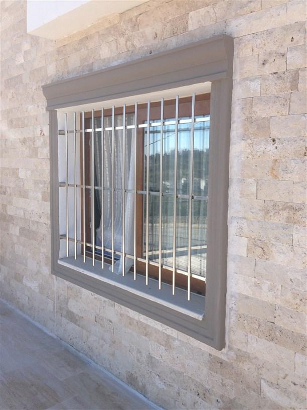 Krom pencere korkuluk modelleri